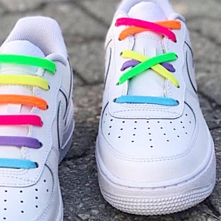 радуга шнурки на кроссовках для web